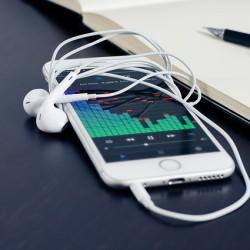 14-why teenagers preffer iPhones